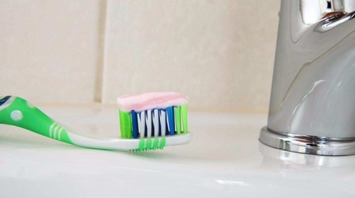 Importance of Brushing With Tooth Paste