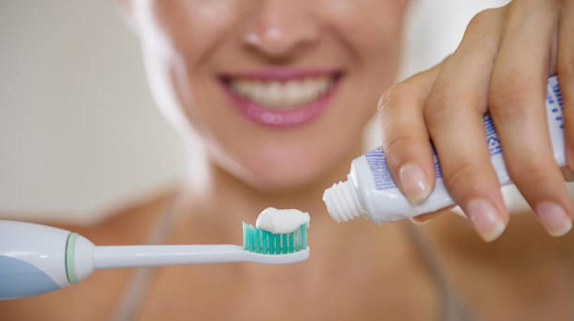 Electric vs. Traditional: Floss and Toothbrushes