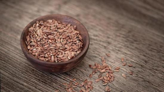 5 Reasons to Snack on Flax Seeds