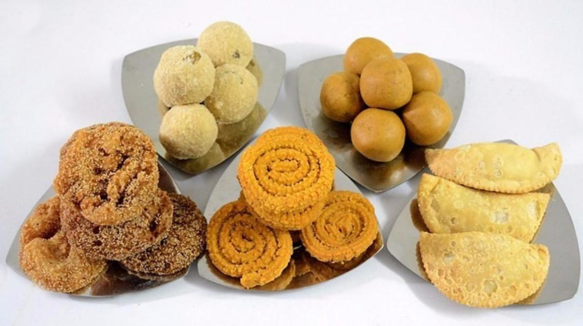 Light It Up This Diwali - 7 Point Guide to Manage Your Weight This Diwali