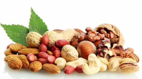 Ideal Time to Eat Nuts