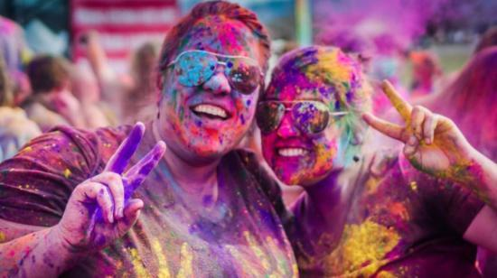 Keep Your Eyes Safe This Holi!