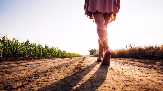 10 Health Benefits of Walking Bare Feet