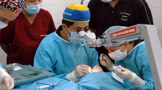 How Do I Behave When I Am Undergoing Cataract Surgery?