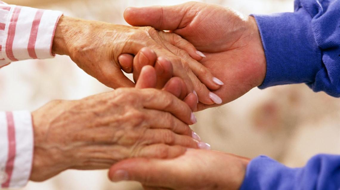 How to Safely Lift & Move the Immobile Elderly
