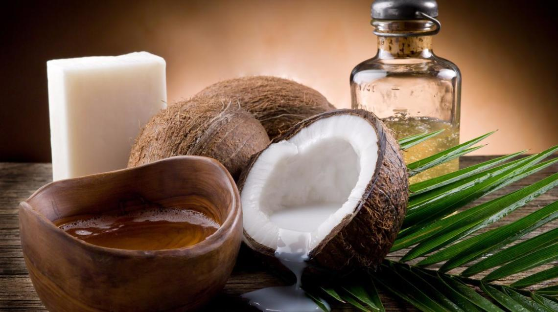 4 Reasons to Include Coconut Oil in Your Diet