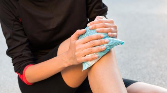 7 Ways to Reduce Knee Swelling