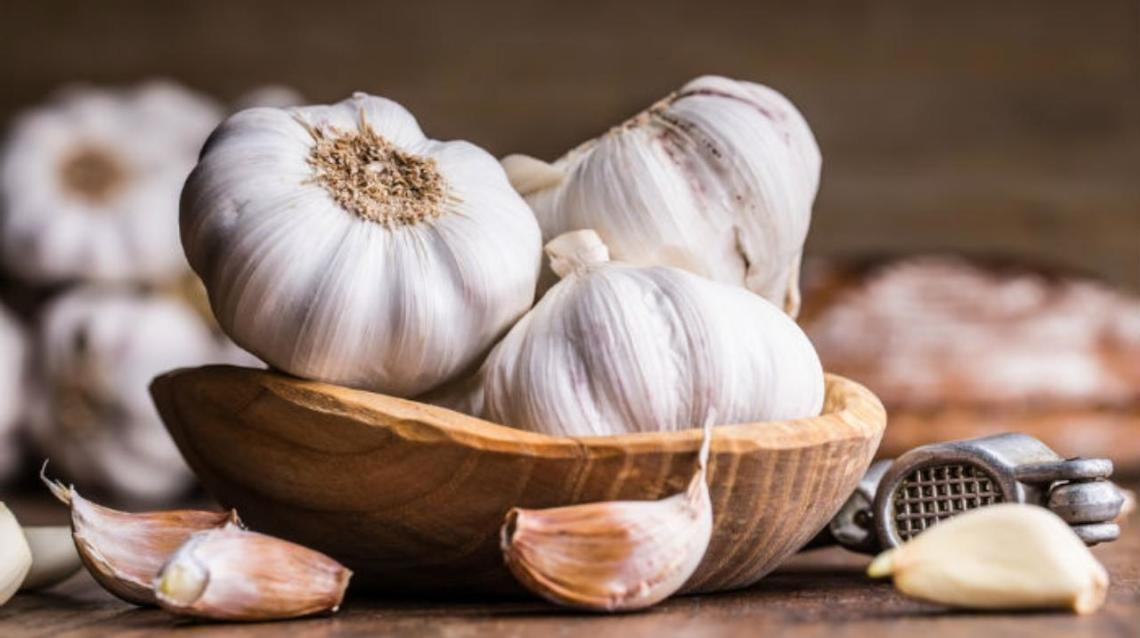 6 Health Benefits of Including Garlic in Your Diet